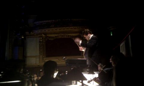 Andrej Nikolaev dirigerar Hovkapellet i Nötknäpparen